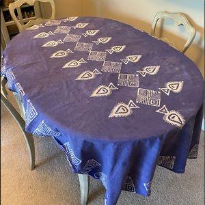 Rwandan Cotton table cloth w the dye